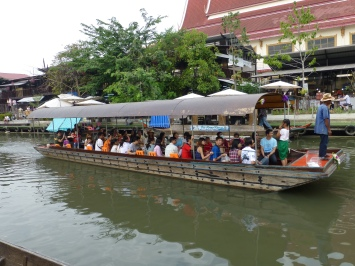 A 10 baht canal boat ride