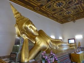 Reclining Buddha at Phra Wiharn