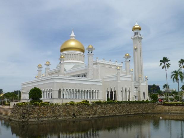 Omar 'Ali Saifuddien Mosque