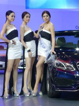 Miss Presenter Runner-Up on Right (Mercedes-Benz)