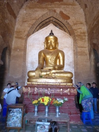 Buddha image in Dhammayan Gyi
