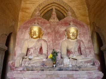 Double Buddha in Dhammayan Gyi