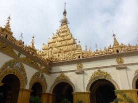Exterior of Maha Myat Muni Pagoda
